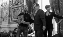 Remise du Prix des lecteurs Quais du Polar 20 Minutes à Colin Niel © Laurent Bouchard